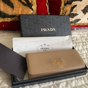 Authentic Prada saffiano leather long wallet